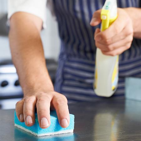 Desinfección de superficies y manos