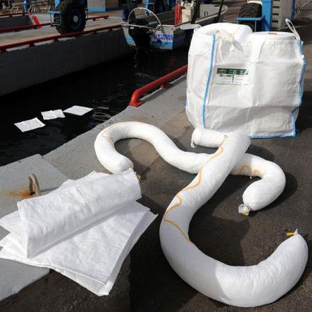 Kits de emergencia para vertidos en el agua