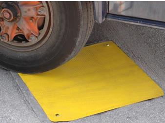 plaque-obturation-monocouche-renforcee-passage-vehicules