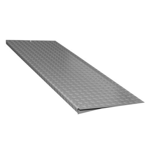 Rampa de acceso en acero galvanizado para plataforma de retención