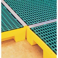 Tapajuntas para plataforma de acero inoxidable. 58,5 cm x 4 cm x 3,5 cm